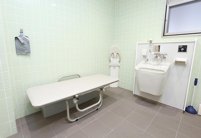 簡易ベッド・シャワー